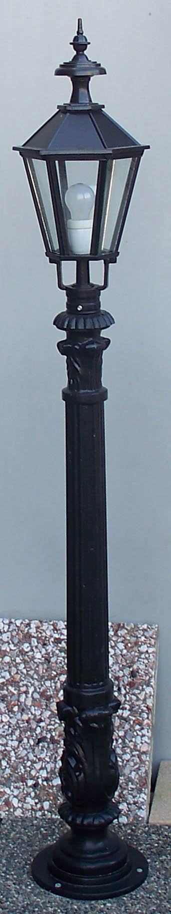 No 7 pole with small 6 sided head